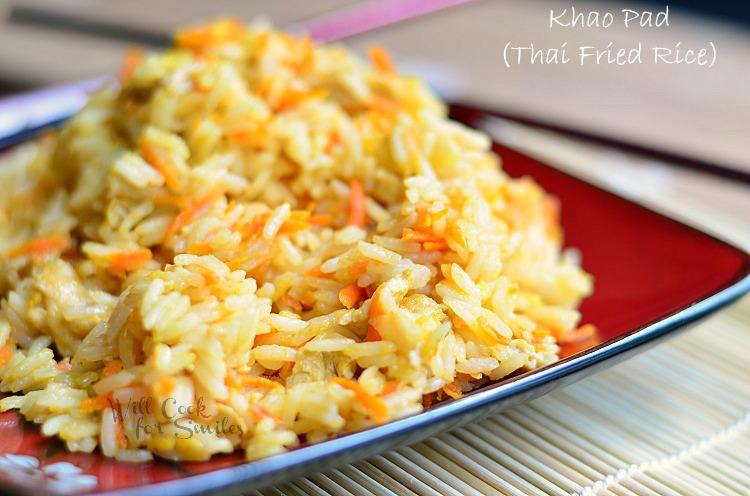 Khao Pad (Thai Fried Rice) 3 (c) willcookforsmiles.com #thai #friedrice