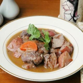The Daring Kitchen: Brasing: Coq Au Vin