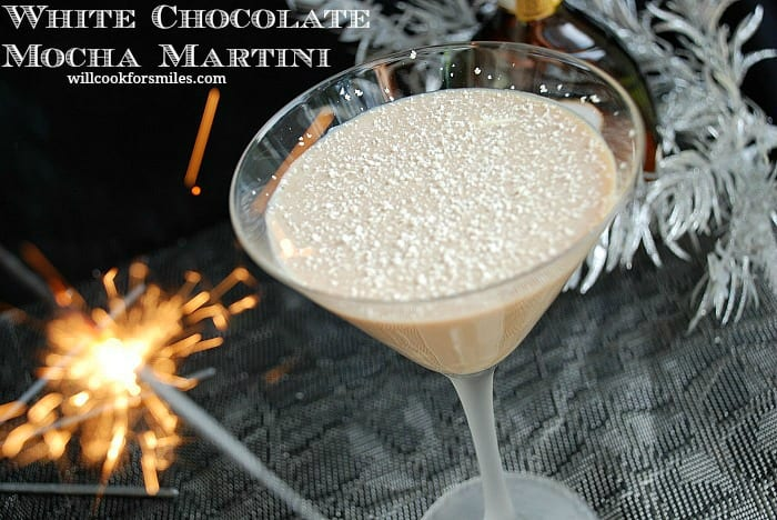 White Chocolate Mocha Martini. Sweet martini made with a perfect combination of white chocolate liqueur, Kahlua, and coffee. #martini #cocktail #drink #whitechocolate #mocha