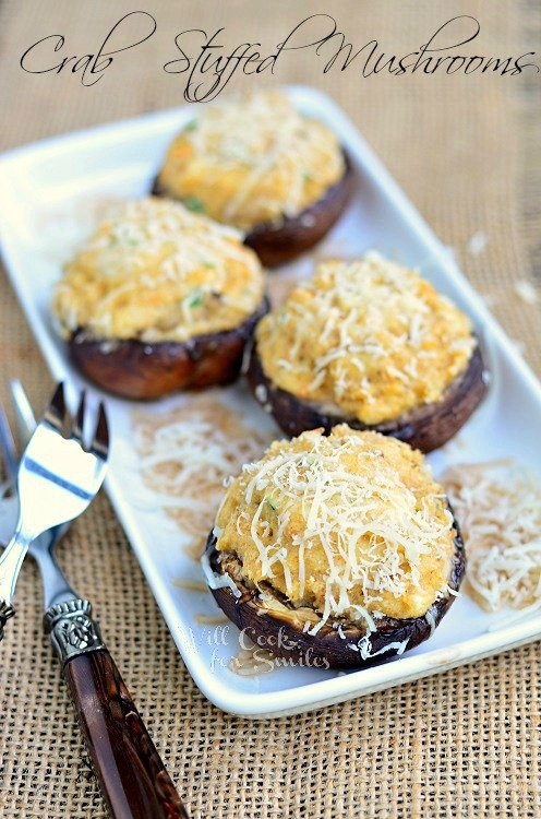 Crab Stuffed Mushrooms Recipe. These stuffed mushrooms are a piece of food heaven with a perfect combination of cream cheese, herbs, crab meat, and grated Parmesan cheese. #crab #seafood #appetizer #mushrooms #stuffedmushrooms