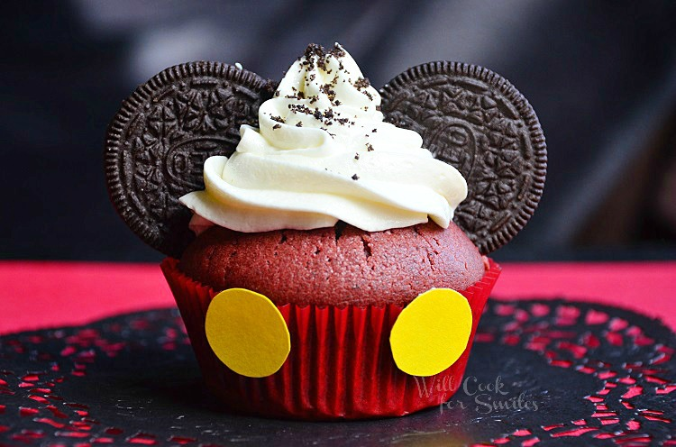 Mickey Mouse Red Velvet Oreo Cupcakes (c) willcookforsmiles.com #cucpakes