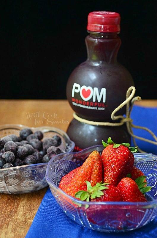 Pomegranate- Berry-Smoothie