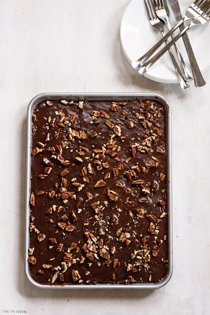 lighter-version-grandmas-chocolate-sheet-cake-600-wm