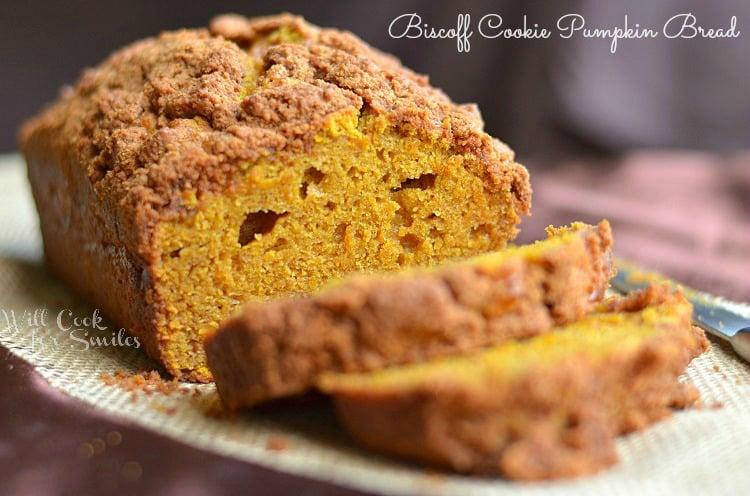 Biscoff Cookie Pumpkin Bread 3 (c) willcookforsmiles.com #pumpkin #bread