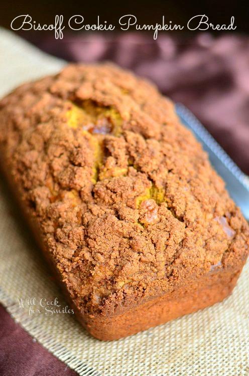 Biscoff Cookie Pumpkin Bread (c) willcookforsmiles.com #bread #pumpkin