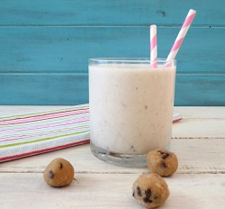 Chocolate-Chip-Cookie-Banana-Smoothie-e