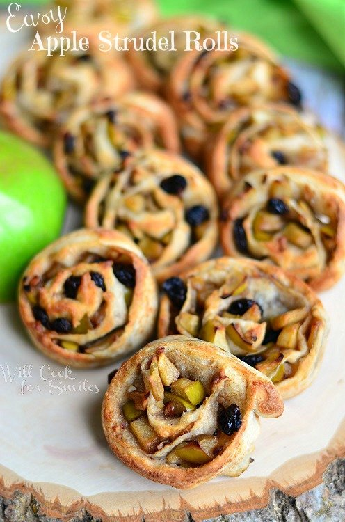 Easy Apple Strudel Rolls (c) willcookforsmiles.com #apple #strudel #fallrecipes