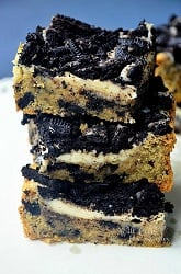 Oreo-Cheesecake-Cookie-Bars-willcookforsmiles.com_