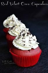 Red-Velvet-Oreo-Cupcakes-c-willcookforsmiles.com-cucpakes