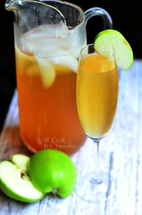 Sparkling Apple Cider (c) willcookforsmiles.com #drink #applecider #shop