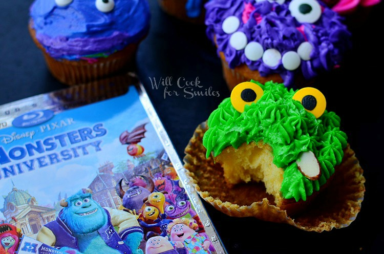 Monsters University Cupcakes 10 from willcookforsmiles.com #monsters #cupcakes #party