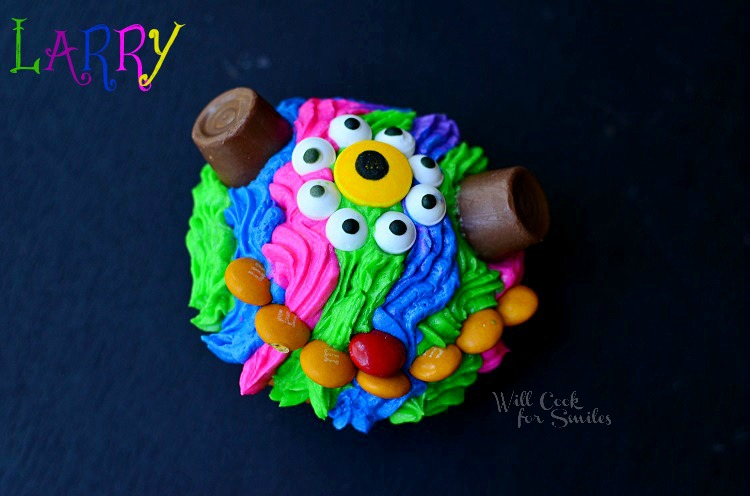 Monsters University Monster Cupcakes 2 from willcookforsmiles.com #monsters #cupcakes #party