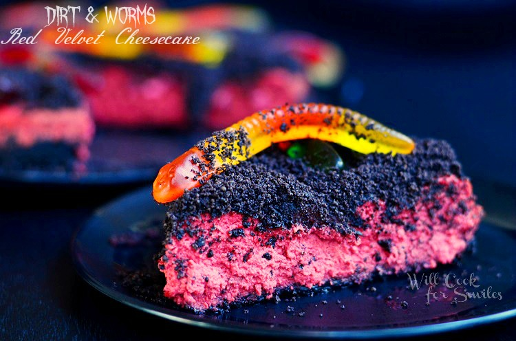 Worms and Dirt Red Velvet Cheesecake 4 © willcookforsmiles.com #cheesecake #halloween