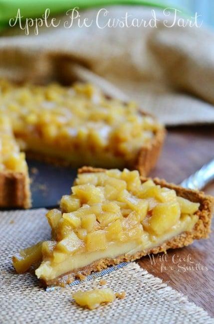 Apple Pie Custard Tart 4 from willcookforsmiles.com #tart #custard #applepie
