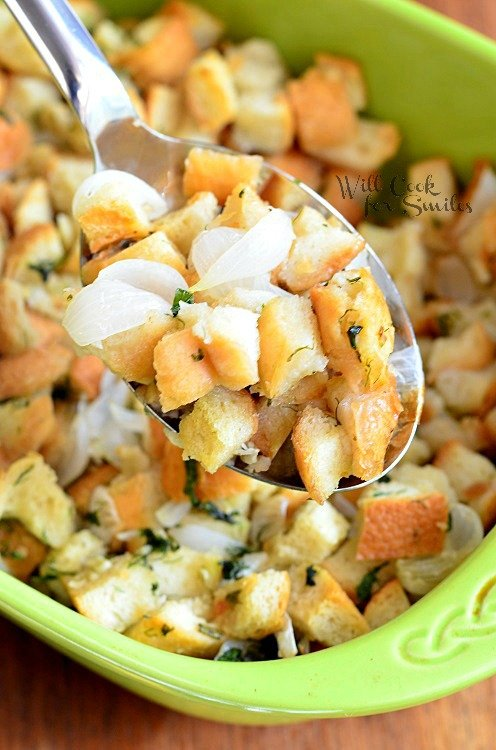 Easy Italian Herb Stuffing 3 from willcookforsmiles.com #stuffing #sidedish