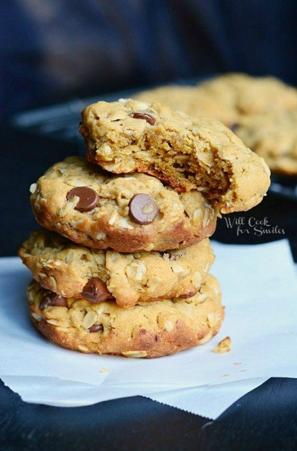 Peanut Butter Oatmeal Cookies with Chocolate Chips 3 from willcookforsmiles.com #cookie #peanutbutter #oatmealcookie