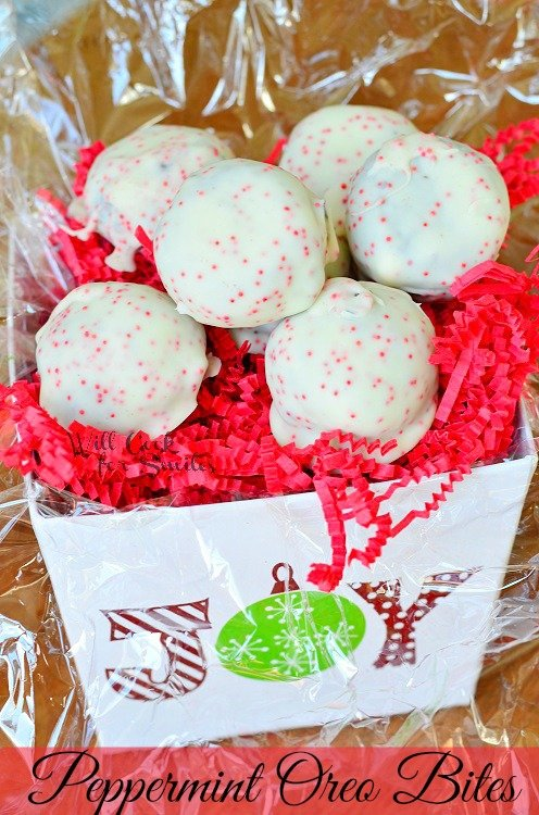 Peppermint Oreo Bites from willcookforsmiles.com #peppermint #oreo