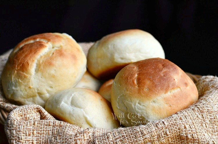 Potato Dinner Rolls 3 from willcookforsmiles.com #bread #rolls
