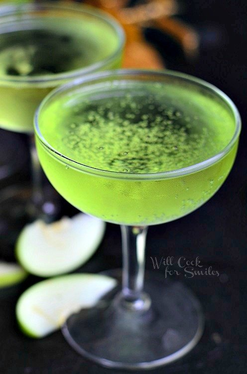 Sour Apple Champagne Cocktail 3 from willcookforsmiles.com #cocktail #champagne