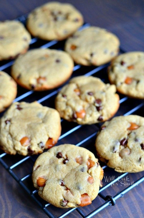 Sumbitches Peanut Butter Chocolate Caramel Cookies from willcookforsmiles.com #cookies