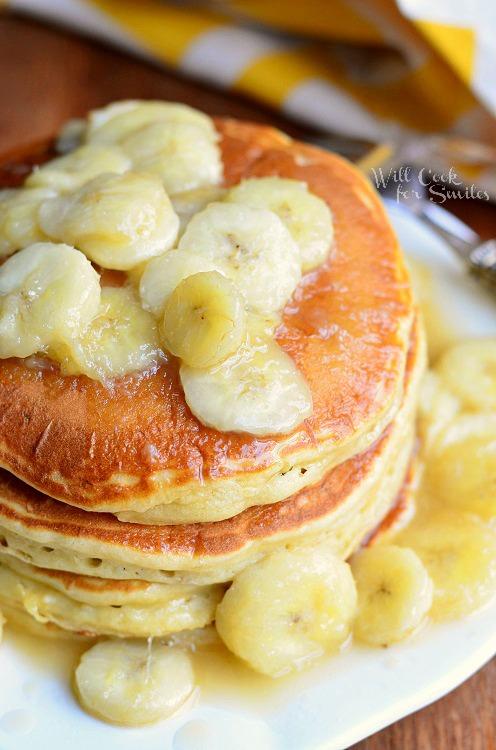 Bananas Foster Pancakes from willcookforsmiles.com #pancakes #bananasfoster
