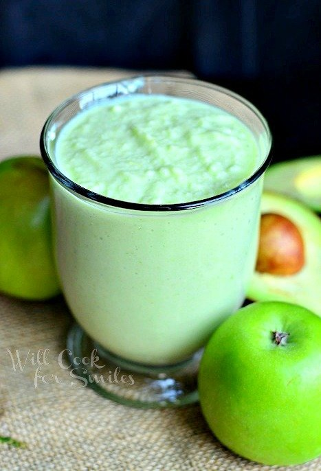 Green Apple Avocado Green Smoothie 1 from willcookforsmiles.com #greensmoothie #smoothie