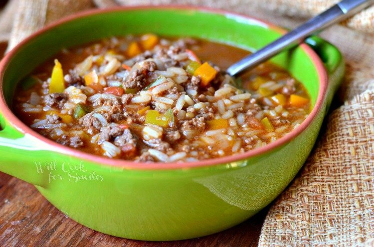 Stuffed Peppers Soup 3 from willcookforsmiles.com #soup #groundbeef #stuffedpeppers