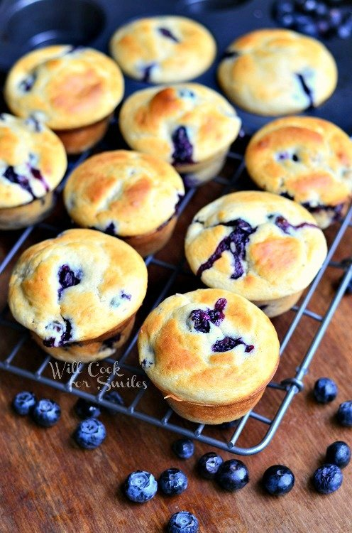 Vanilla Blueberry Muffins from willcookforsmiles.com #muffins #blueberry #vanilla
