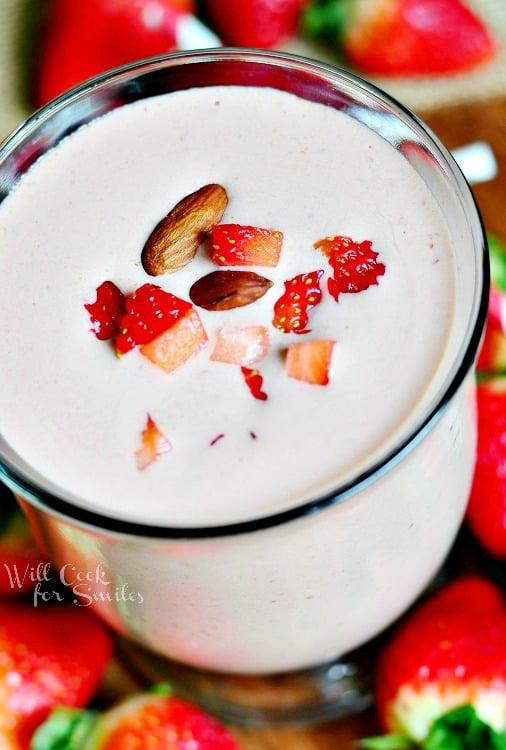 Chocolate Covered Strawberry Protein Shake 3 from willcookforsmiles.com #strawberry #shake #proteinshake