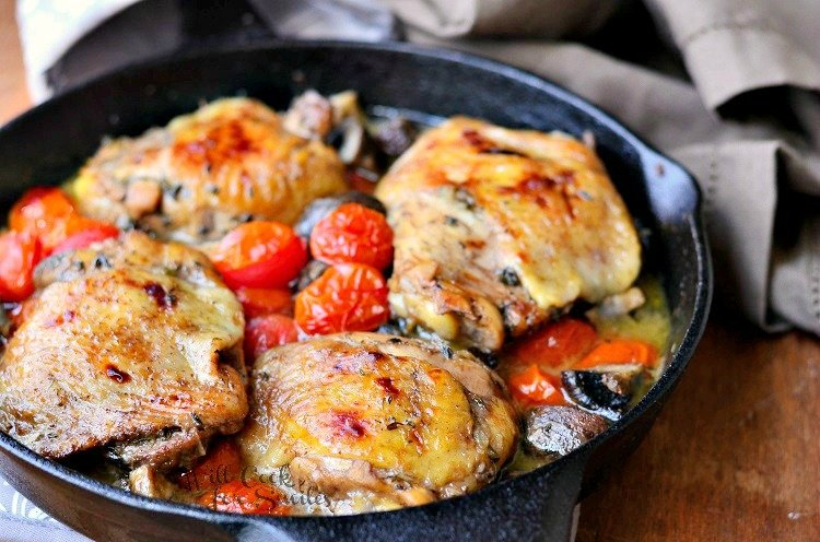 Roasted Chicken Thighs with Tomatoes and Muchrooms 2  from willcookforsmiles.com #chicken #chickenthighs