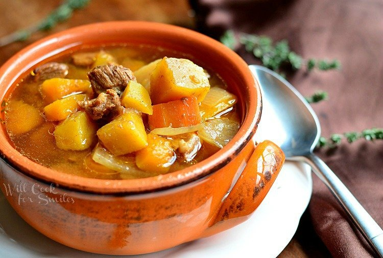 Slow Cooker Winter Squash Beef Stew 1 from willcookforsmiles.com #beefstew #slowcooker
