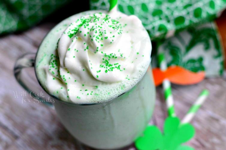 St. Patrick's Day Skinny Milkshake (Creamy Mint Chocolcate Chip) 3 from willcookforsmiles.com #milkshake #stpatricksday