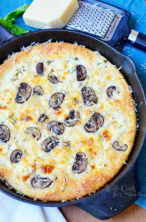 Asiago Mushroom & Onion White Pizza Skillet (Meatless) |  from willcookforsmiles.com #pizza #whitepizza #skilletrecipes