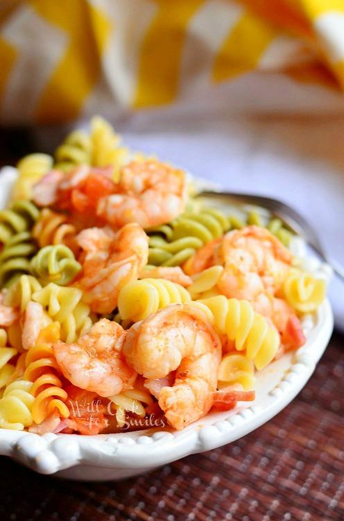 Chipotle Shrimp Bacon & Tomato Pasta Bowl 1 from willcookforsmiles.com #shrimp #pasta