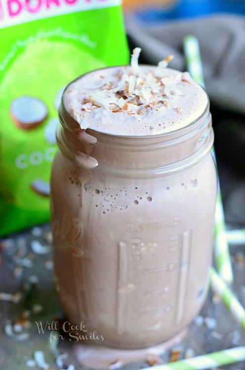 Coconut Mocha Milkshake from willcookforsmiles.com #milkshake #coconut #mocha #dunkinmugup
