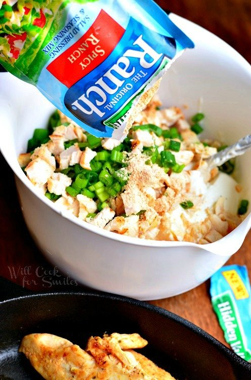 Spicy Chicken Ranch Dip with Hidden Valley Seasoning. Creamy, cheesy, ranch dip that will satisfy everyone. #dip #chickendip #ranch