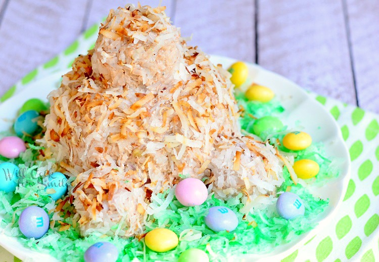 Bunny Butt Almond Joy Cheeseball | from willcookforsmiles.com #easterbunny #cheeseball #almondjoy