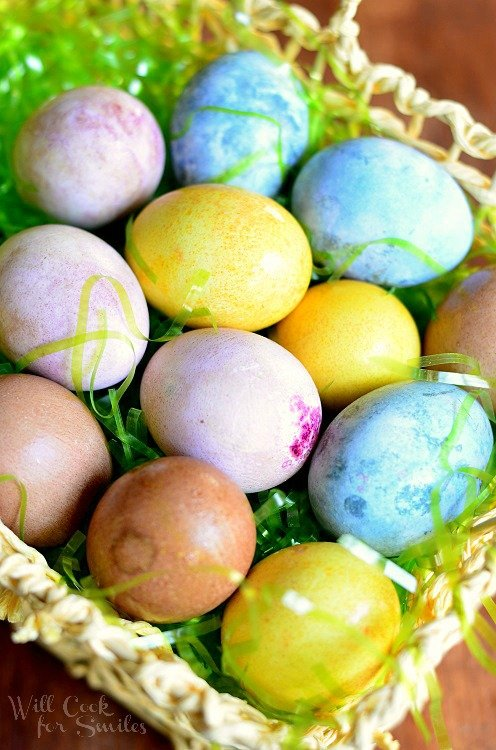 Dyeing Eggs Naturally & Egg Hunt Riddles | from willcookforsmiles.com #eggs #natural #dyeingeggsnaturally