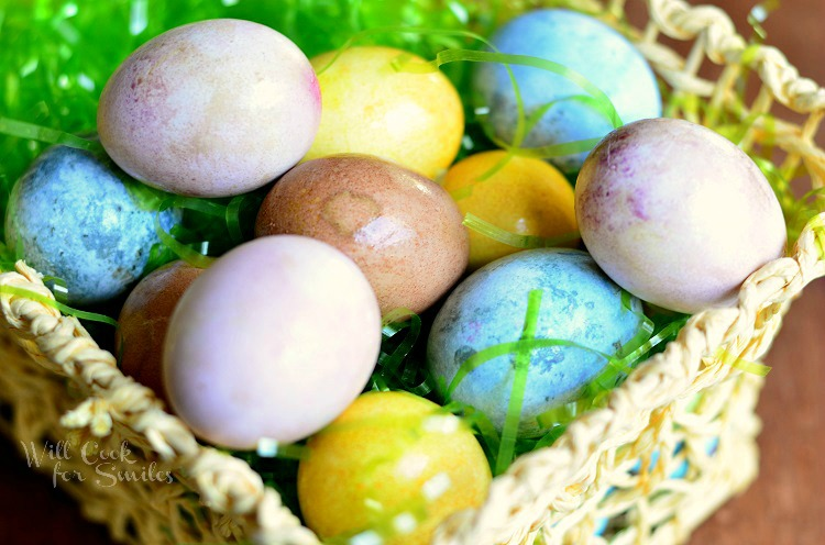 Dyeing Eggs Naturally 3 from willcookforsmiles.com #eggs #easter #dyeingeggs
