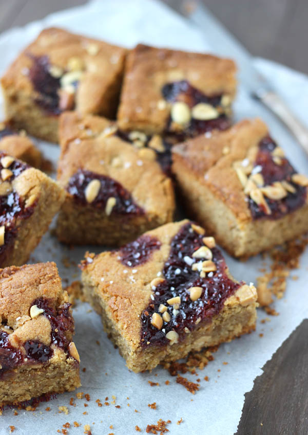salted peanut butter and jelly blondies_1(1)