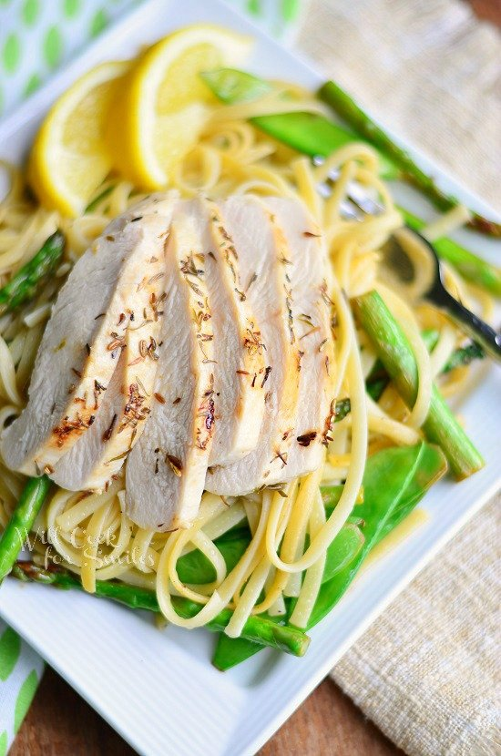 Lemon Herb Summer Linguine with Chicken, Asparagus and Snow Peas willcookforsmiles.com