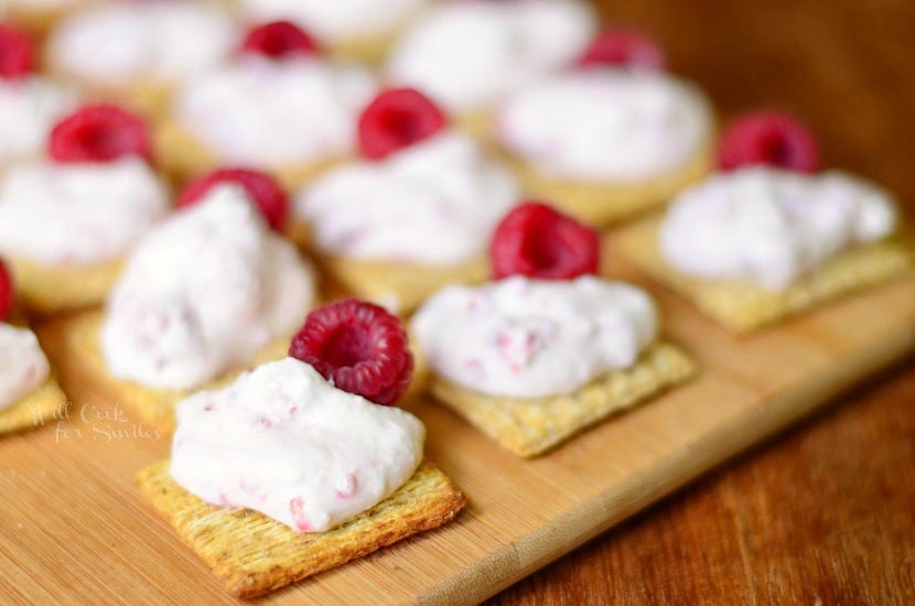 Raspberry Cannoli Cream Bites on Triscuit Crackers from willcookforsmiles.com