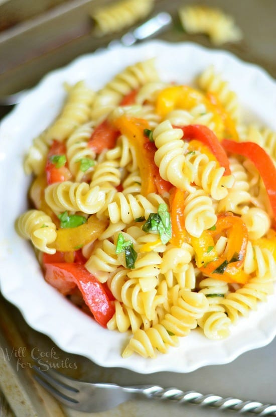 Roasted Bell Pepper and Garlic Pasta Salad wich Basil Dressing! from willcookforsmiles.com