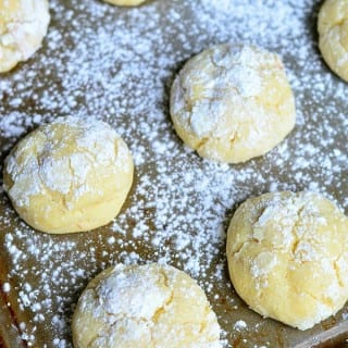 Banana Pudding Chewy Crinkle Cookies