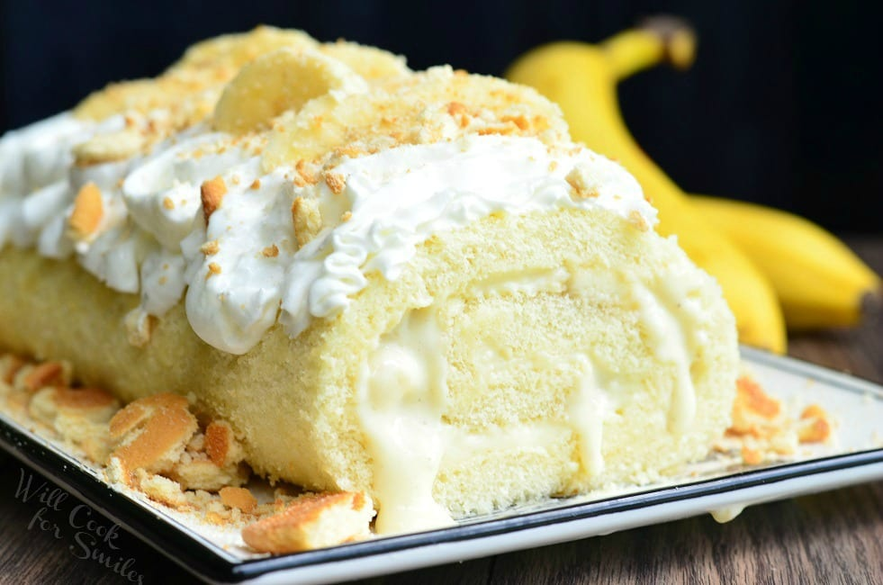 Banana Pudding Cake Roll | from willcookforsmiles.com