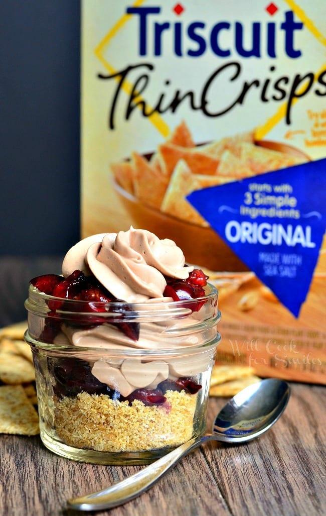 {No Bake} Chocolate Cherry Cheesecake Pie In A Jar