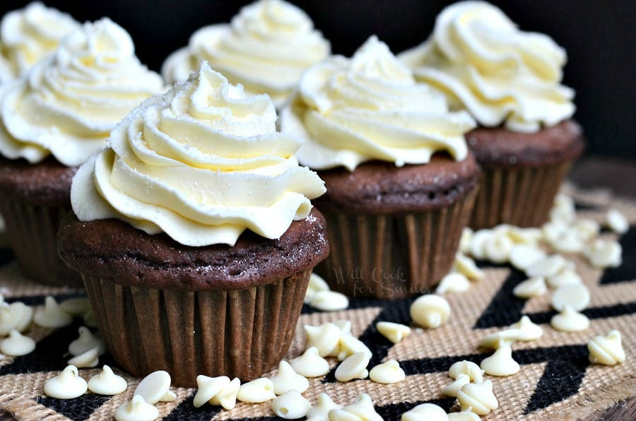 chocolate cupcakes with vanilla icing recipe