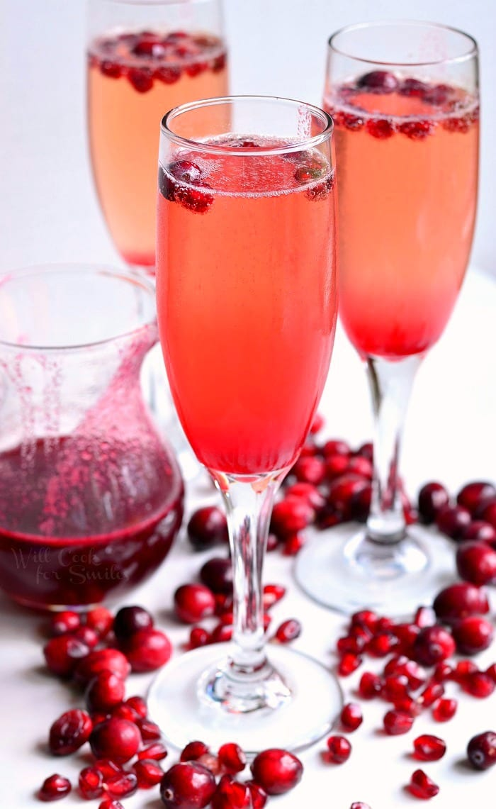 Cranberry pomegranate champagne cocktail will cook for for Champagne mixed drinks