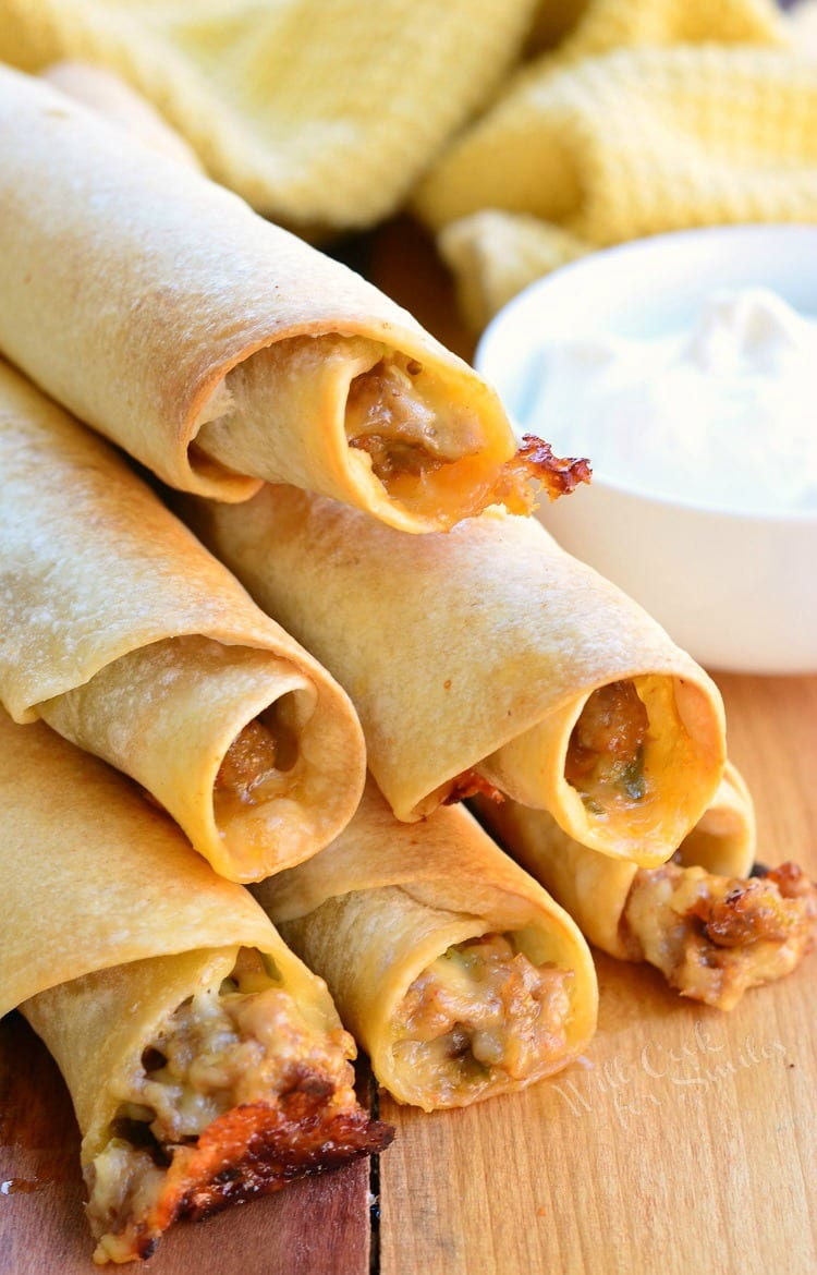 Baked Jalape 241 O Sausage And Cheese Taquitos Will Cook For