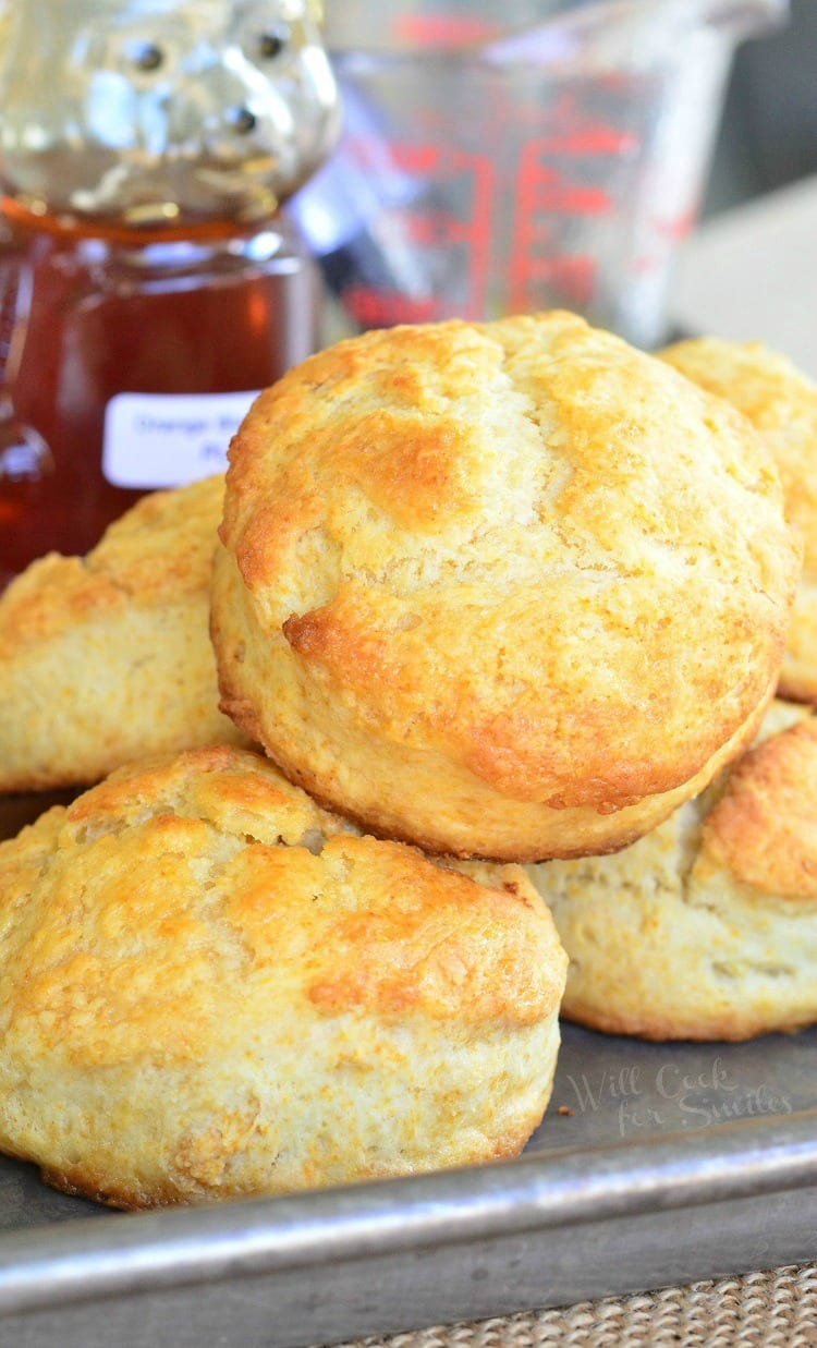 Honey Butter Biscuits. Soft, fluffy biscuits made with honey for a ...